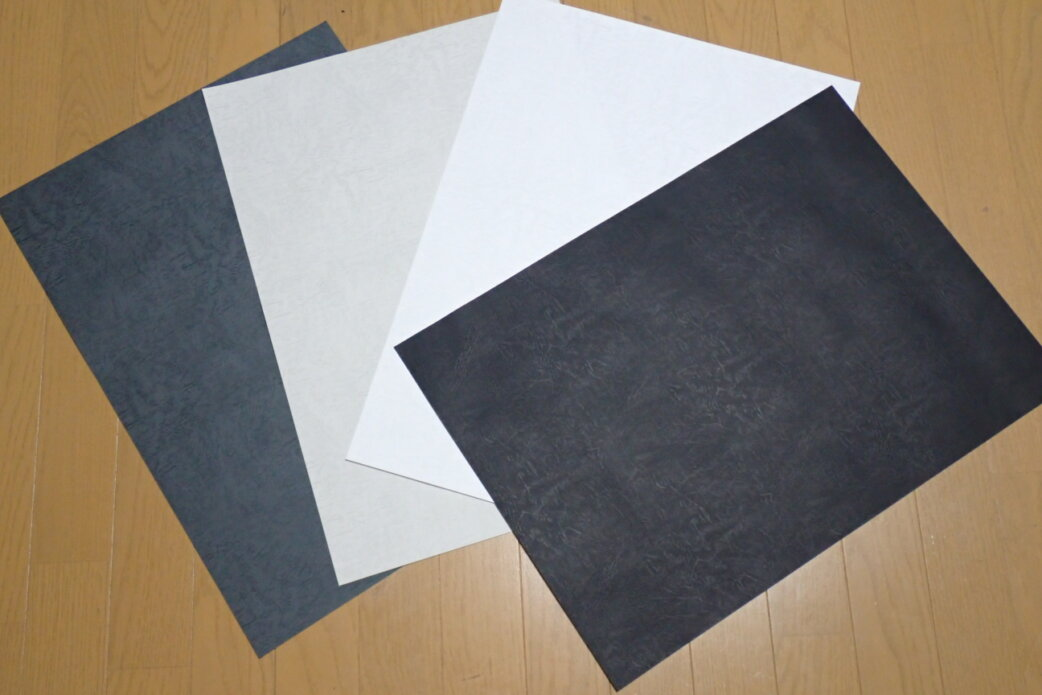ガンプラ撮影でおすすめの背景紙はこの2種類!白、黒、グレーで撮影してみた